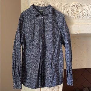 Eddie Bauer Women's Buttondown.  Like New.